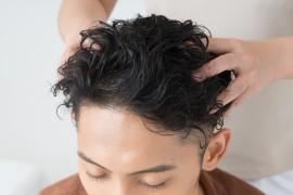 健康な髪を保つための育毛知識!育毛剤、頭皮マッサージの効果は?①【福岡天神(かつら・ウィッグ・増毛・育毛)スタンドヘアー】 thumb